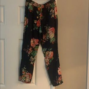 Zara floral print pants. Like new condition